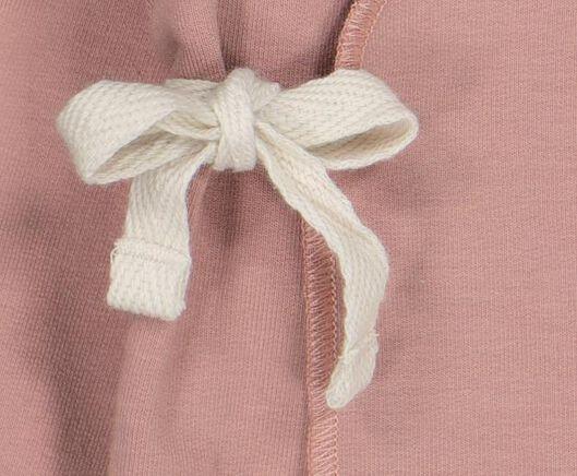 newborn overslagvest met bamboe roze 50 - 33433532 - HEMA