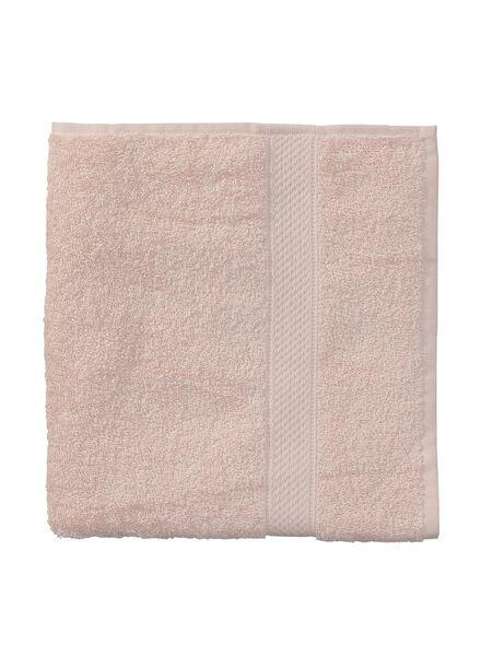 baddoek zware kwaliteit 60 x 110 - licht roze - 5240013 - HEMA