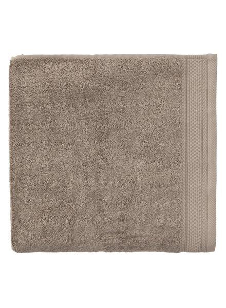 handdoek - 100 x 150 cm - hotel extra zwaar - taupe uni taupe handdoek 100 x 150 - 5290056 - HEMA