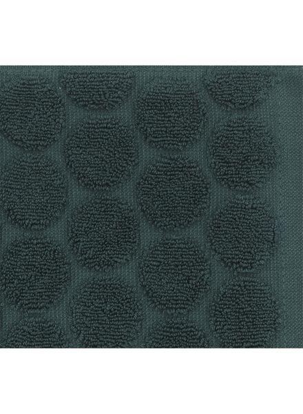 handdoek - 70 x 140 cm - zware kwaliteit - donkergroen stip - 5220018 - HEMA