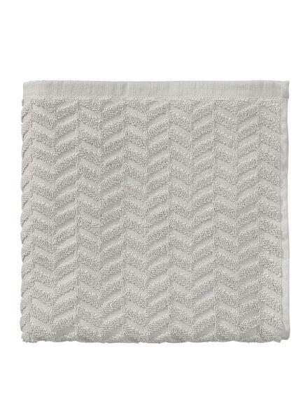 handdoek - 50 x 100 cm - zware kwaliteit - lichtgrijs zigzag - 5240185 - HEMA