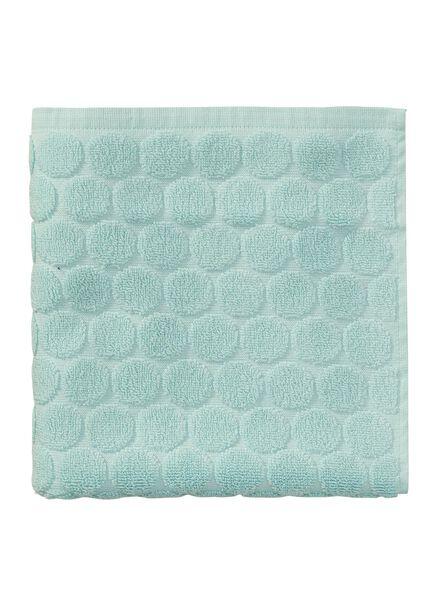 handdoek - 50 x 100 cm - zware kwaliteit - mintgroen gestipt - 5240174 - HEMA