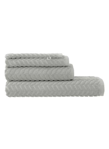 handdoek - 50 x 100 cm - zware kwaliteit - lichtgrijs zigzag lichtgrijs handdoek 50 x 100 - 5240185 - HEMA