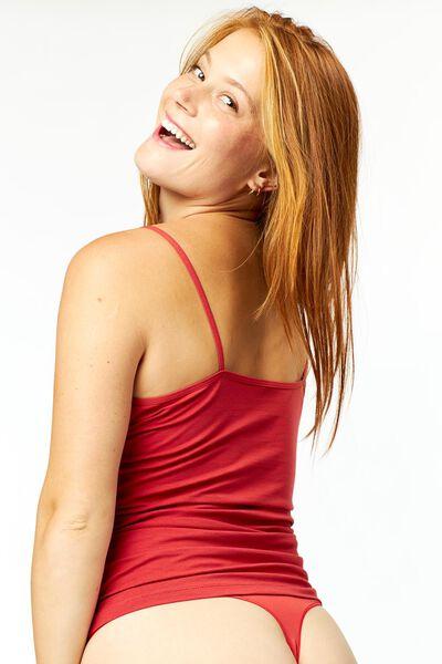 damesstring naadloos kant rood L - 19660106 - HEMA