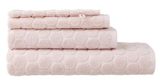 handdoek - 70 x 140 cm - zware kwaliteit - roze gestipt roze handdoek 70 x 140 - 5240190 - HEMA