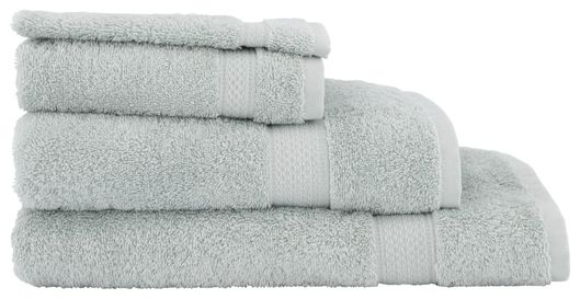 handdoek - 70 x 140 cm - zware kwaliteit - poedergroen lichtgroen handdoek 70 x 140 - 5210082 - HEMA