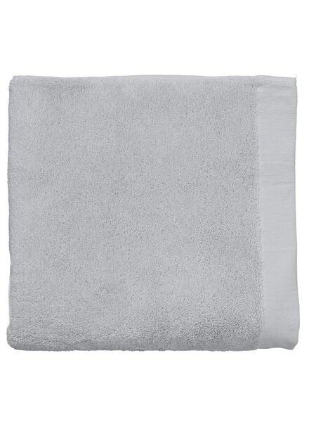 baddoek ultrasoft 70 x 140 - lichtgrijs - 5217028 - HEMA