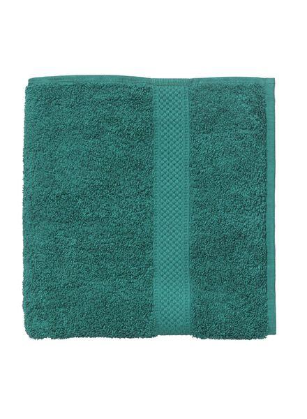 baddoek zware kwaliteit 110 x 60 - donkergroen - 5240023 - HEMA