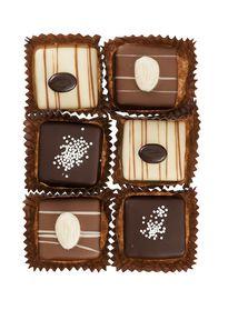a92826851a2 chocolade petit fours