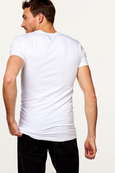 heren t-shirt slim fit v-hals extra lang bamboe wit wit - 1000016220 - HEMA